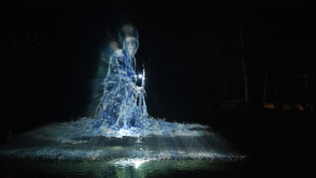 Eyal Gever_Water Dancer_c_Angela von Brill