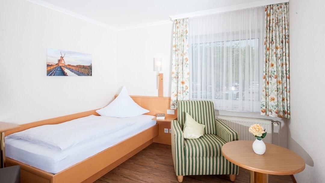 Appartement mit Kitchennette und renoviertem Tageslichtbadezimmer